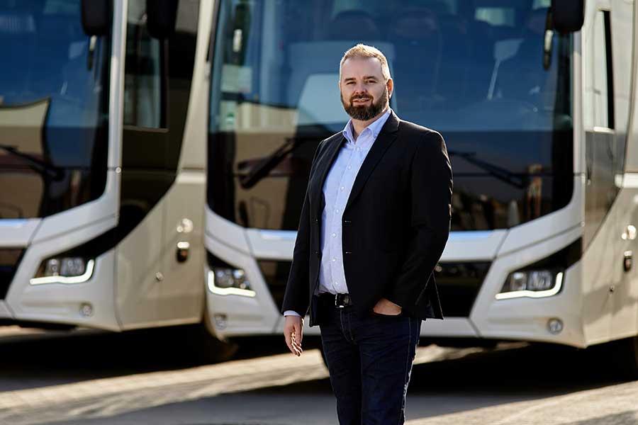Buszbérlés, autóbuszbérlés, minibusz bérlés, Infinitours