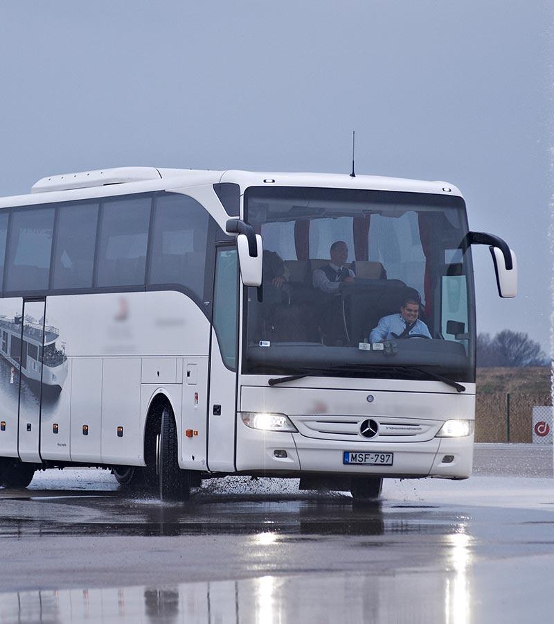 Buszbiztonság, biztonságos buszok bérlése, különjárat